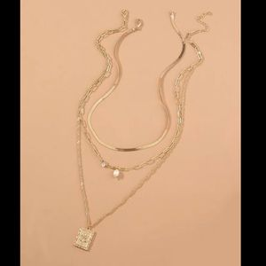 Jewelry - NWT! ROSE PEARLS THREE LAYER NECKLACE